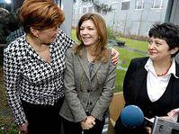 Зузана Баудышова (фонд «Наш ребенок»), Маргарида Боррозо и Джамила Стегликова (Фото: ЧТК)