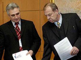 Milan Stech y el vicepresidente de la Confederación Checo-Morava de Uniones Sindicales, Jaroslav Zavadil (Foto: CTK)