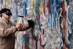 Mauerfall in Berlin (Foto: Raphaël Thiémard, Flickr, CC BY-SA 2.0)