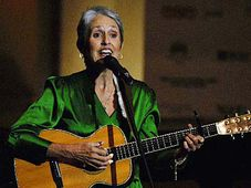 Joan Baez performs during an opening ceremony of the 10th Forum 2000 Conference in Prague, photo: CTK