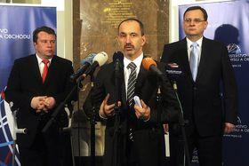 Zleva Martin Kocourek, Martin Kuba aPetr Nečas, foto: ČTK
