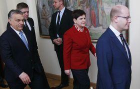Роберт Фицо (слева), Виктор Орбан, Беата Шидлова и Богуслав Соботка, Фото: ЧТК