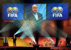 Жеребьевка отборочного турнира чемпионата мира по футболу 2006 года (Фото: ЧТК)