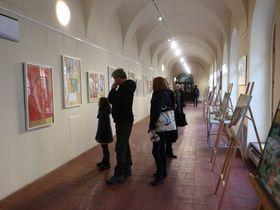 Los visitantes del festival pueden ver diferentes exposiciones, foto: Martina Schneibergová