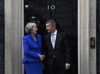 Andrej Babiš avec Theresa May, photo: Michal Krumphanzl/ČTK
