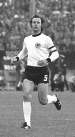 Franz Beckenbauer, photo: Bundesarchiv, Bild 183-N0622-0035 / CC-BY-SA 3.0 Germany
