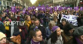 La manifestation contre les violences conjugales à Paris le 23 novembre, photo: Ruptly / YouTube