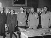 Left to right: Neville Chamberlain, Édouard Daladier, Adolf Hitler and Benito Mussolini