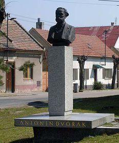 Monumento de Antonín Dvořák en Zlonice