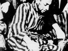 Dernière photographie connue de Robert Desnos au camp de Terezin, 1945, photo: Menerbes/Archives Desnos, public domain