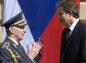 Blair se entrevistó también con veteranos de la Segunda Guerra Mundial, Foto: CTK