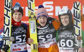 Rune Velta, Severin Freund y Roman Koudelka (de izquierda). Foto: ČTK.