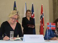 Elsbeth Tronstad (links). Foto: Martina Schneibergová