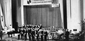 Bach-Festspiele 1968 in Leipzig mit dem Protestplakat Foto: Archiv der Evangelischen Verlagsanstalt
