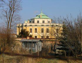 Zámek Vinoř, foto: Packa, Wikimedia CC BY-SA 3.0