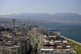 Город Измир, Фото: Тарик Гандур CC BY-SA 3.0, Открытый источник