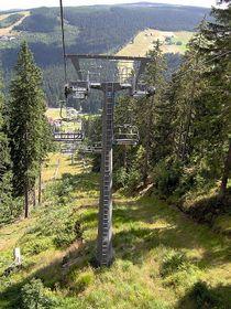 La télésiège du mont Hnědý vrch, photo: Harold17, CC BY-SA 3.0 Unported