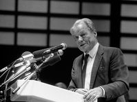 Willy Brandt (Foto: Karl-Heinz Münker-Appel, Wikimedia Commons, CC BY-SA 2.0 DE)
