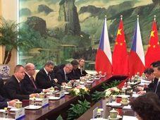 El cumbre bilateral checo-chino a nivel gubernamental en Pekín (noviembre de 2015), foto: MZV