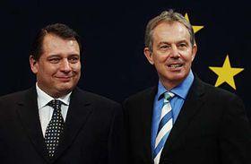 Primer ministro checo, Jiri Paroubek y su homólogo británico, Tony Blair (Foto: CTK)