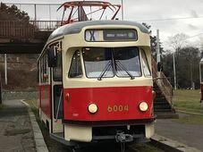 Straßenbahn vom Typ T2 (Foto: Hana Pohanová, Ondřej Kubát, Archiv der Prager Verkehrsbetriebe)