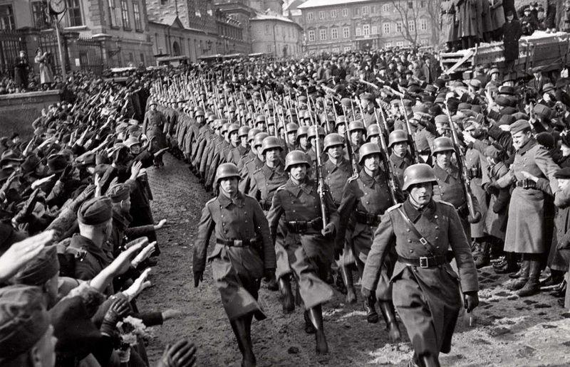 German troops at Prague Castle, March 15, 1939, photo: Public Domain