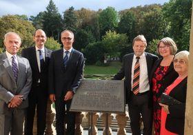 Mojmír Pěnka, Botschafter Christoph Israng, Zbyněk Pěnka, Joachim Krehan mit seiner Frau und Frau Pěnková