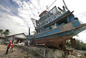 Уничтоженное рыбацкое судно на Таиланде (Фото: ЧТК)