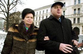 Barbora Snopkova y el ex ministro de Finanzas checo, Ivo Svoboda, foto: CTK