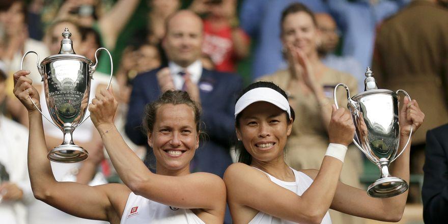 Barbora Strýcová y Su-Wei Hsieh (Foto: ČTK / AP Photo / Tim Ireland)