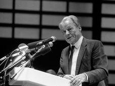 Willy Brandt (Foto: Karl-Heinz Münker-Appel, Wikimedia Commons, CC BY-SA 2.0 DE)