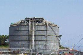 LNG storage tank, photo: Falcanary, Public Domain