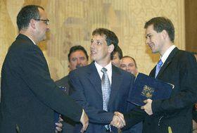 Слева: Miroslav Kalousek, Станислав Гросс и Павел Немец (Фото: ЧТК)