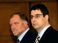 Vladimír Mlynář con su abogado, Tomáš Sokol (Foto: CTK)