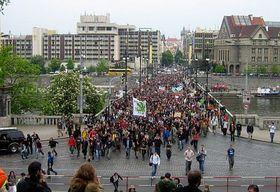 Million Marihuana March crossing the Vltava River, photo: Jan Richter