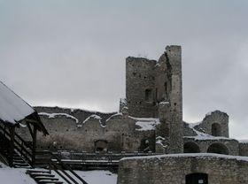 Hrad Rabí je nejrozsáhlejší hradní zřícenina vČechách