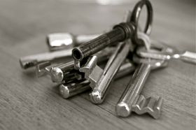 Schlüsselbund - svazek klíčů (Foto: Uwe Baumann, Pixabay / CC0)