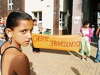Romany protest against enforced sterilization, photo: CTK