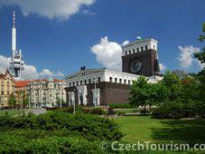 La place Jiřího z Poděbrad, photo: CzechTourism