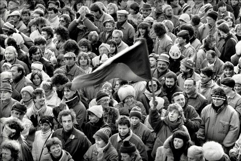 Протестная демонстрация в ноябре 1989 г., фото: Дана Кындрова