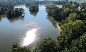 Южная Моравия - Ледницкие пруды (Фото: huhulenik, CC-BY 3.0 Unported)