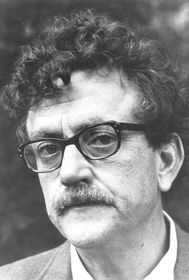 Kurt Vonnegut in 1972, photo: WNET-TV/ PBS - eBay front back, Public Domain