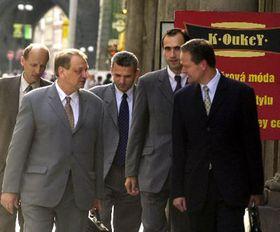 Miembros de la Coalición - Cyril Svoboda, Ivan Pilip, Karel Kühnl, Jan Kasal y Ratibor Majzlík, foto: CTK