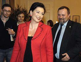 Jana Bobošíková con los comunistas (Foto: CTK)