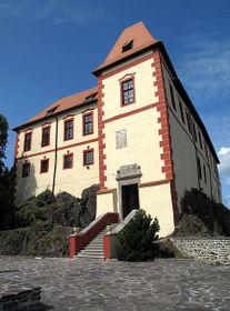 Castle Kamen, photo: Dezidor, CC BY 3.0 Unported