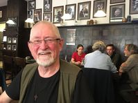 Gerald Turner at U Parlamentu, photo: Ian Willoughby