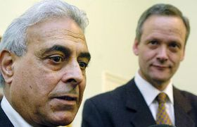 Iraqi Minister of Culture Mufid Jazairy and Minister of foreign affairs Cyril Svoboda, photo: CTK