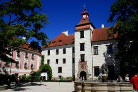 Замок Тршебонь, фото: Karelj - открытый источник