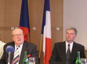 Jean-Marie Le Pen y Miroslav Sladek, foto: Alexis Rosenzweig