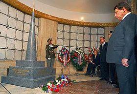 Čestný pohřeb Aloise Eliáše, foto: ČTK